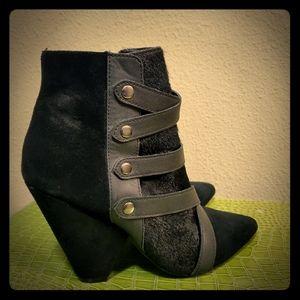 Steve Madden women's short boots.  8B